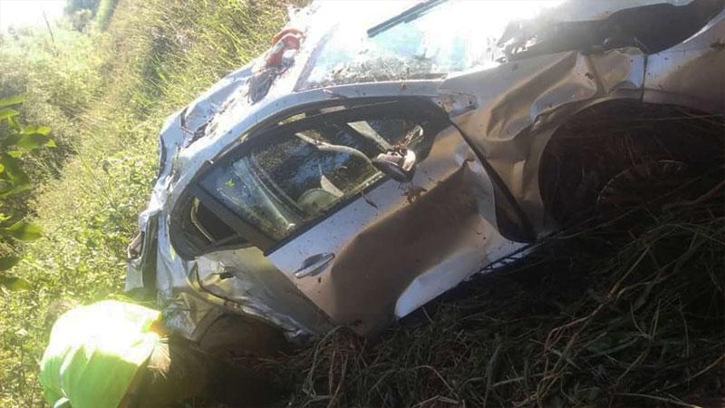 Un adolescente falleció tras despiste del auto en el que se conducía su familia