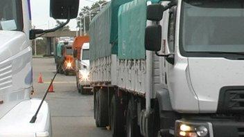 Tras la sequía, este año habrá 700 mil camiones menos viajando hacia los puertos