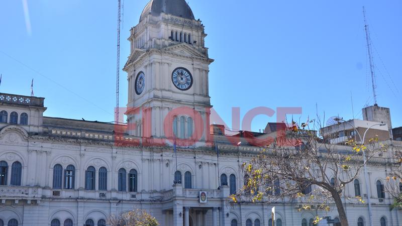Ley de ministerios el jefe de gabinete provincial tendr a for Ley de ministerios