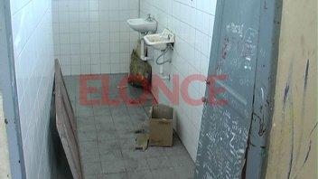 Una discusión en el baño de una escuela terminó con un alumno apuñalado