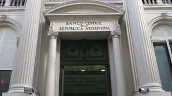 El Banco Central bajó la tasa de referencia al 28 por ciento