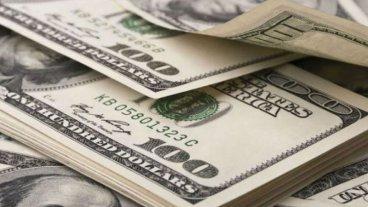 Baja el dólar y  se ubica nuevamente por debajo de los 30 pesos