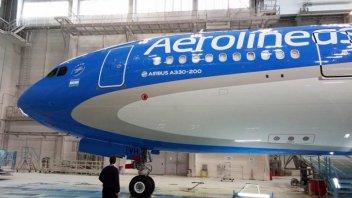 Pilotos de aviones confirmaron que se suman al paro del 30 de abril