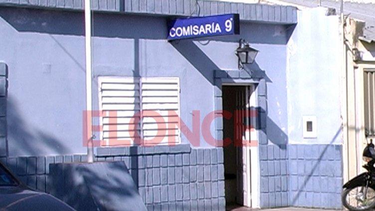 Con cuchillas en sus manos, una mujer amenazó a su hija en Paraná