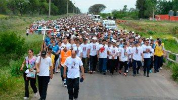 La parroquia Santa Teresita dispuso colectivos para el traslado a Hasenkamp