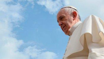 Tras amenazar a Messi, el ISIS mostró una imagen del Papa decapitado