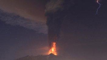 El Etna entró de nuevo en erupción en Italia