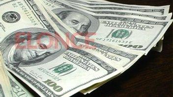 El dólar comenzó la semana con una suba de 16 centavos
