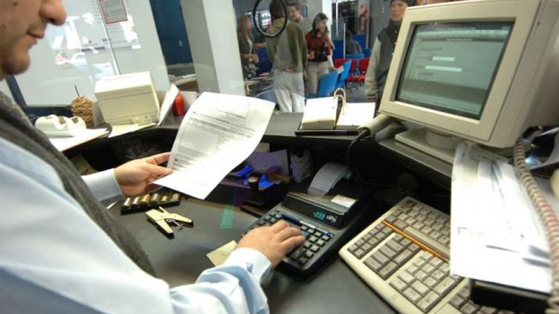 El martes no habrá bancos en todo el país — Feriado bancario
