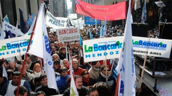 Bancarios levantaron el paro tras conciliación obligatoria