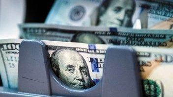 El dólar comenzó la semana con una baja de 9 centavos