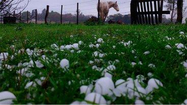 Se mantiene el alerta por tormentas fuertes con ráfagas y caída de granizo