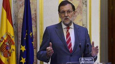 Rajoy pide cesar al gobierno catalán: promoverá elecciones en seis meses
