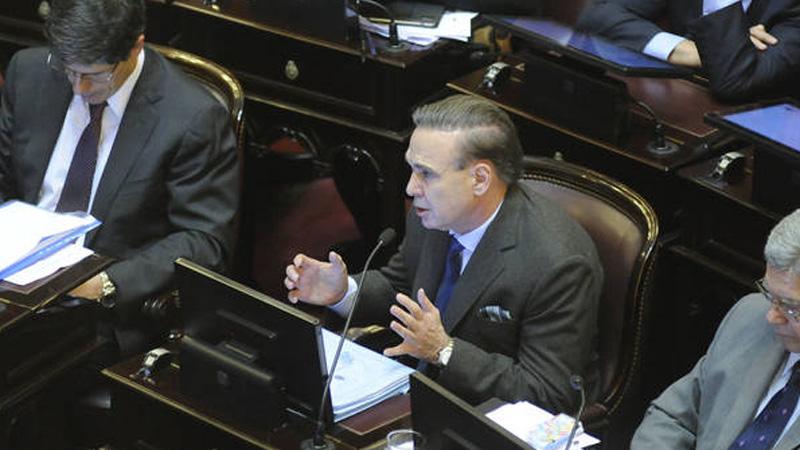 Pichetto pidió cobrar como un juez y no pagar Ganancias