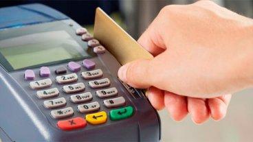 Dentro de una semana, todos los comercios deberán aceptar tarjetas de débito