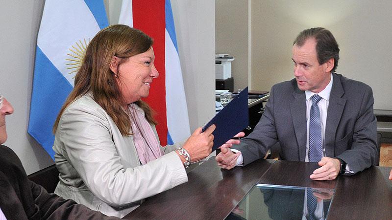 Resultado de imagen para la directora provincial de Vialidad, Alicia Benítez