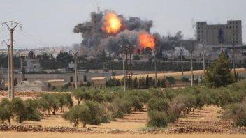 Bombardeo conjunto de EE.UU, Francia y Reino Unido contra Siria