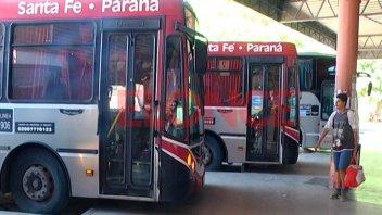 Colectivos entre Santa Fe y Paraná: Aumenta este miércoles el pasaje