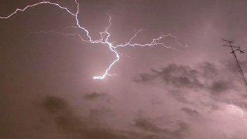 Un rayo mató a una pareja de adolescentes durante una tormenta en Bolivia