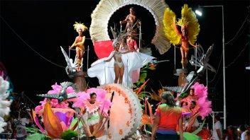 Bahl reconoció el trabajo y trayectoria de los carnavales de Hasenkamp