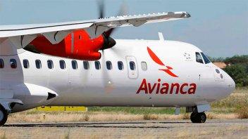 Un avión regresó a Ezeiza tras desperfecto: desprendió combustible en el aire
