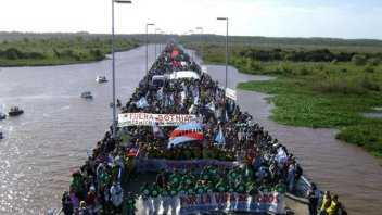 En Gualeguaychú habrá colectivos gratis para la marcha al puente