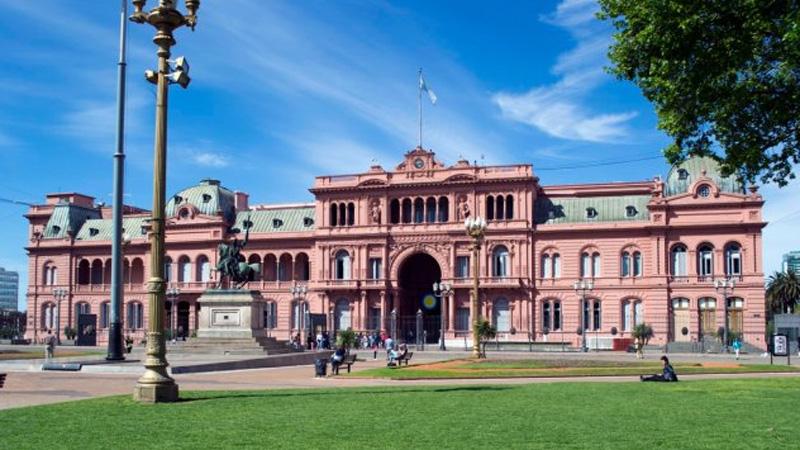 Macri invitará a las provincias que adhieran a los retiros