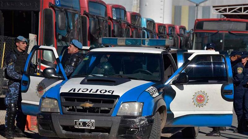 Colectivos circularán con fuerzas de seguridad, tras una semana de paro