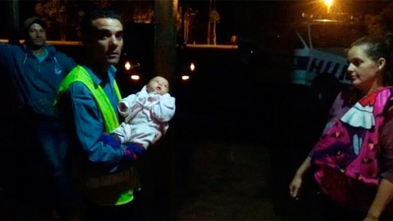 Policía socorrió a una beba que se había atragantado y le salvó la vida