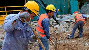 Reclaman el pago de un bono extraordinario para trabajadores privados