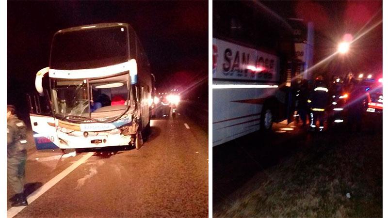 Tres personas lesiones tras el choque entre un auto y un colectivo en Autovía 14