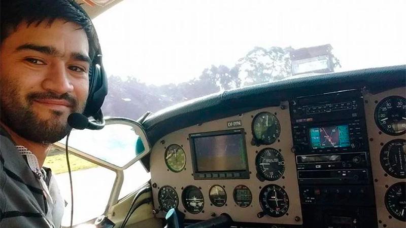 Matías Ronzano, piloto de la aeronave.