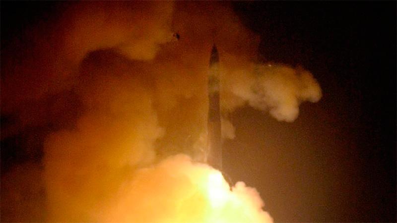 Lanzamiento de un misil Minuteman III desde la base Vandenberg.