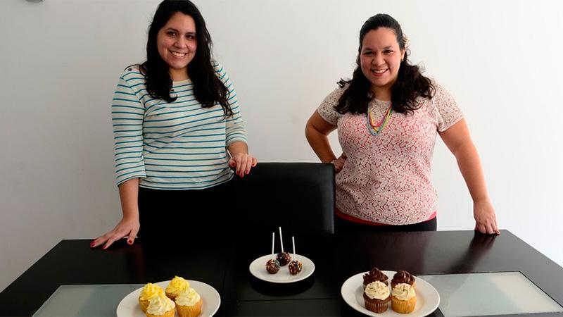 Las hermanas Nayla y Naymar delgado llegaron a Buenos Aires hace 9 meses.