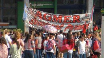 Docentes realizan asambleas en las escuelas y marcharán al CGE en Paraná