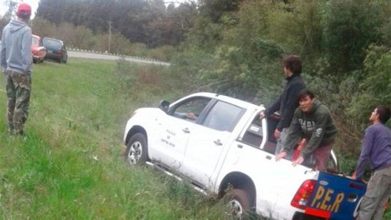 Despistó un móvil policial sobre peligrosa curva de Ruta 2
