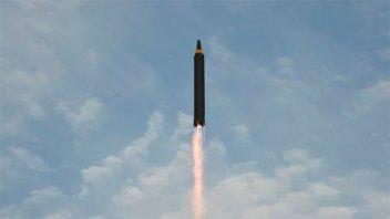 China pide a EEUU y Corea del Norte que