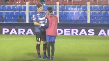 El gesto de Bértoli con el alcanzapelotas de Tigre: ¿qué le dijo?