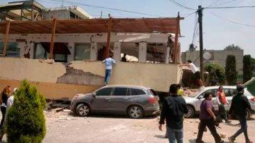 México: Colapsó un colegio primario y hay niños atrapados bajo los escombros