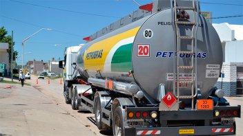 Robaron camión de empresa entrerriana que transportaba combustible