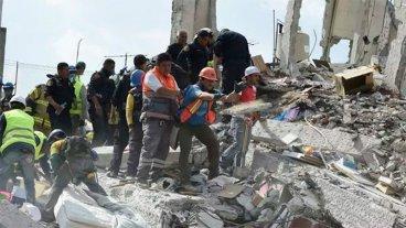 Ya son 319 las personas fallecidas por el terremoto en México