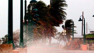 Huracán María tocó tierra en Puerto Rico con vientos de 250 kilómetros por hora
