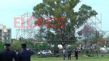 Montan el escenario en Parque Berduc para los shows de Miranda y Agapornis