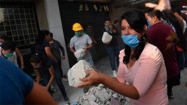 Otra fuerte réplica del terremoto hizo temblar  a México