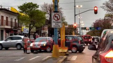 Colisionaron dos autos en Rosario del Tala y Ramírez: uno giró a la izquierda