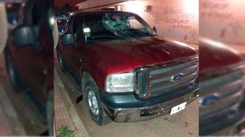 Ira en Villaguay: video del destrozo que provocó joven a la camioneta de su ex