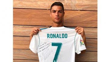 El gesto de Cristiano Ronaldo con la familia de un niño fallecido en el sismo