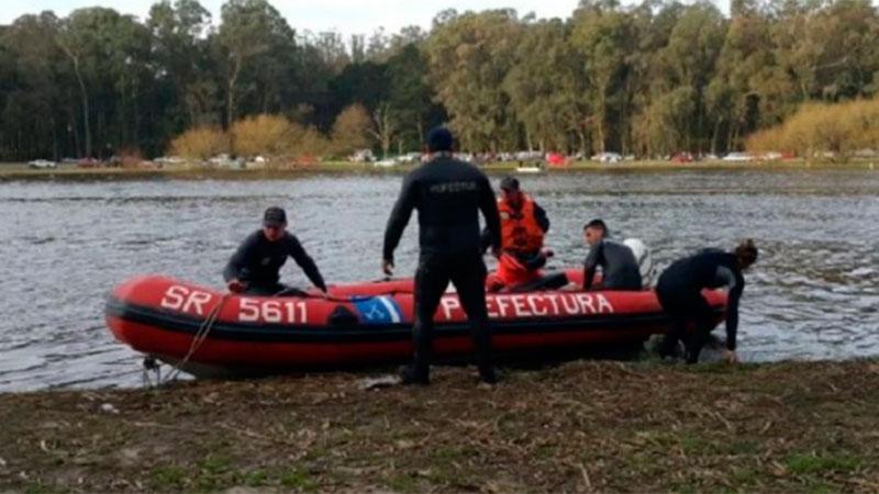Sociedad: Navegaba en kayak, cayó al agua y es intensamente buscado