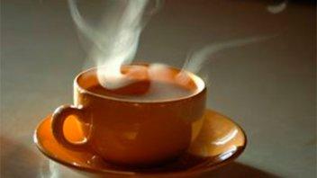 Se volcó el té que preparaba su abuela y sufrió severas quemaduras
