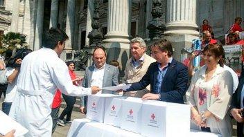Cruz Roja hizo un abrazo al Congreso: piden actualización de la ley